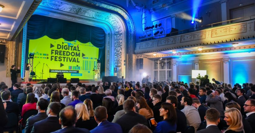 500startups and Rockstart pitch competitions at Digital Freedom festival
